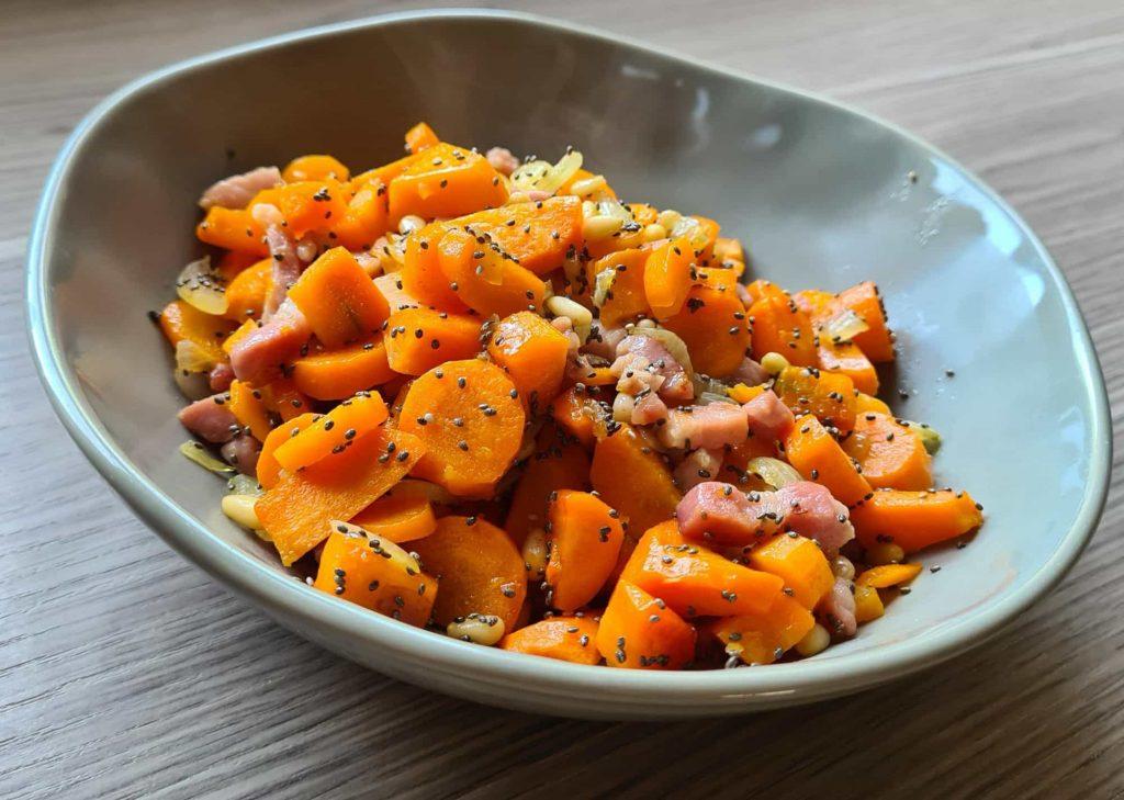 Recette de dés de carottes, graines et lardons