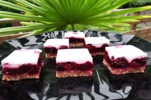 Petits carrés Paléo aux fruits rouges