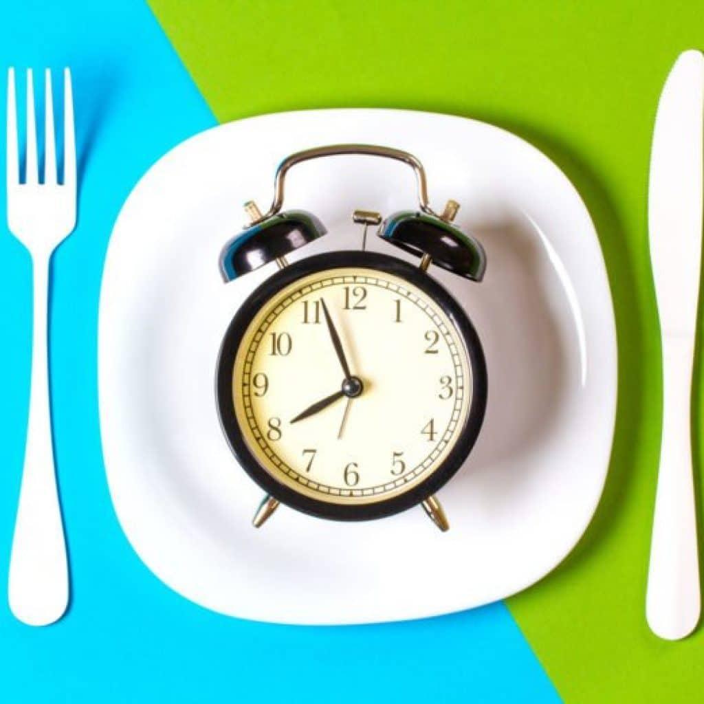 Jeûne intermittent pour maigrir : différence entre jeûne et intermittent
