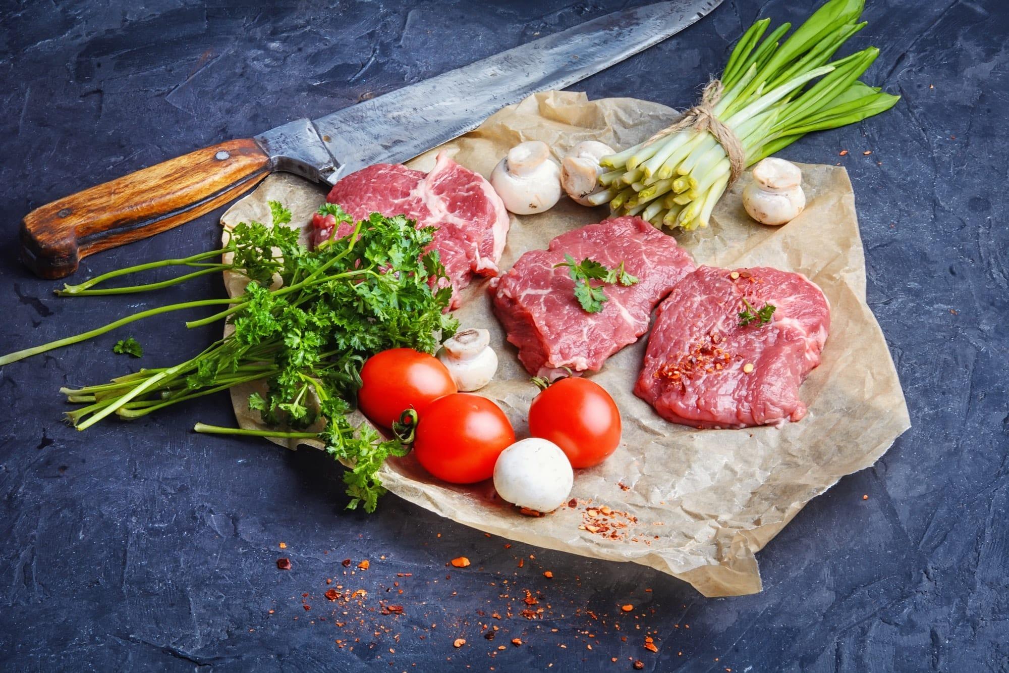 viande tomates et champignons