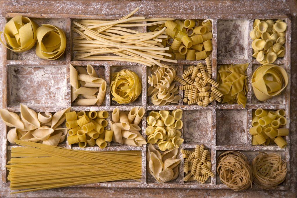 que manger le soir pour perdre du poids concept. Italian pasta